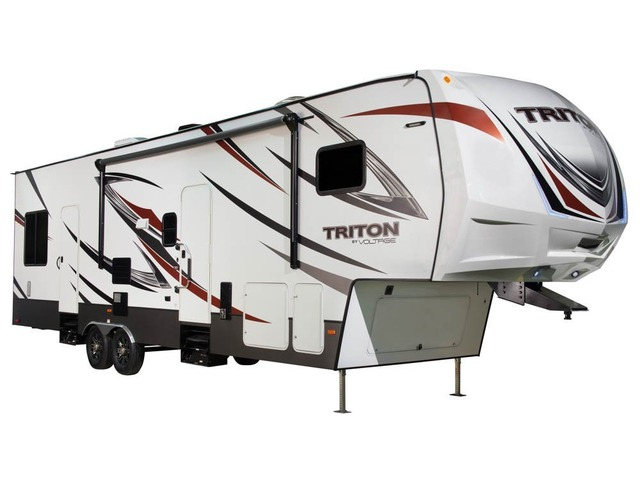 Custom Build & Price A Triton Toy Hauler (Fifth Wheel) by Dutchmen
